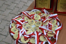 et les médailles pour les participantes